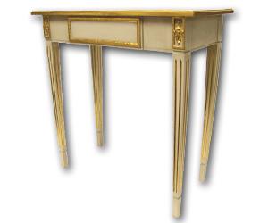 gefasstes Stilmöbel - Schlichter Beistelltisch im Stil des Louis Seize
